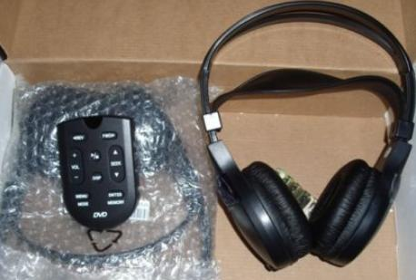 Ford 2003+ RSE DVD Wireless Headphones (2) + Remote 19C013 *NEW*